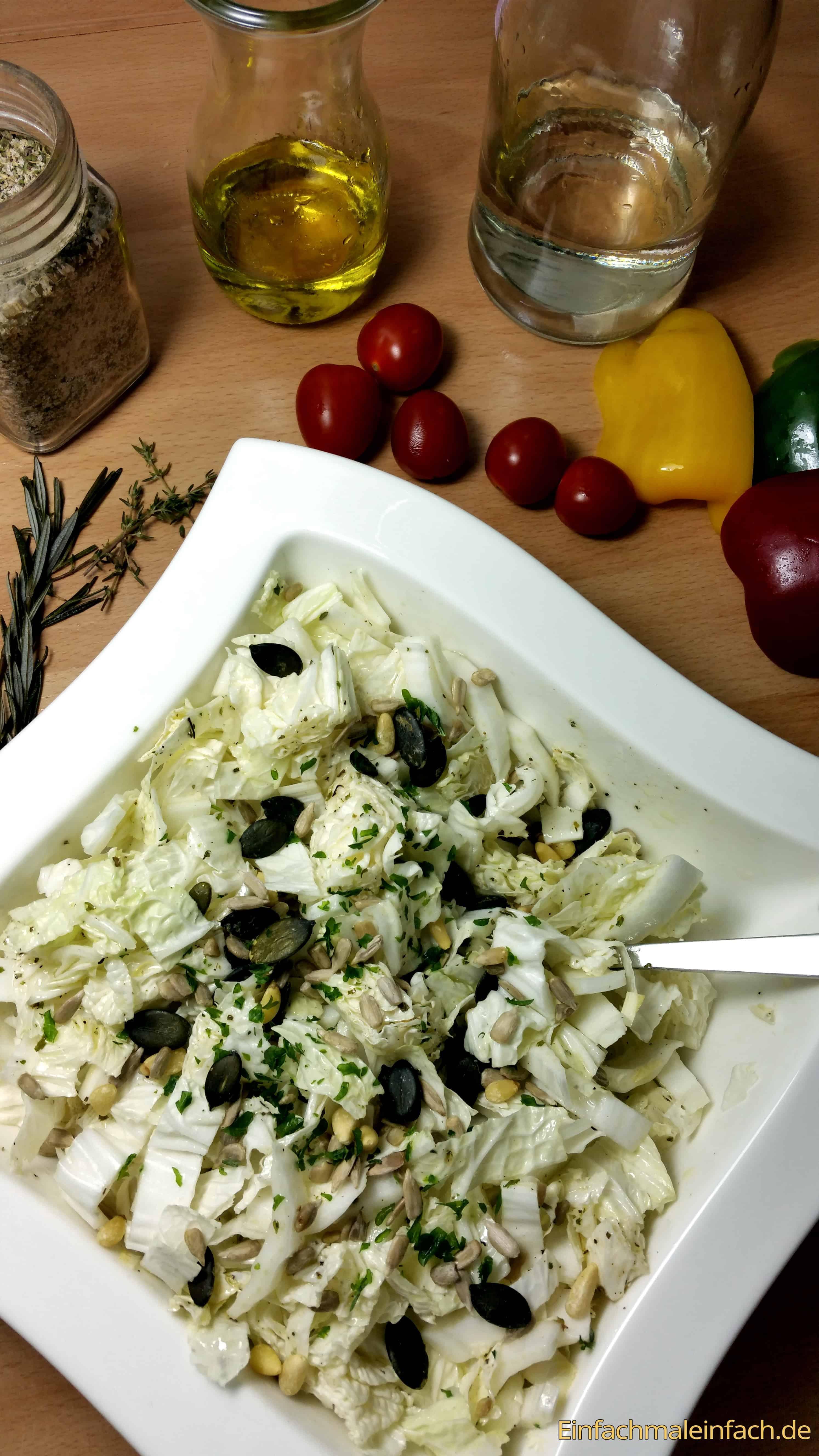 Italienische-gewürzmischung-fix-für-salat-italienische kräuter-selbst-gemacht-dip-dressing-salat-schnellster-chinakohl4