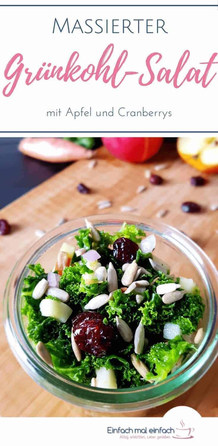 Ein angenehmer Grünkohl Salat hat ein Geheimnis: das Massieren. Mit diesem leckeren vegetarisch & veganem Rezept kannst Du das direkt ausprobieren und den Unterschied selbst erleben. So lecker kann gesund sein! #grünkohl #salat #gesund