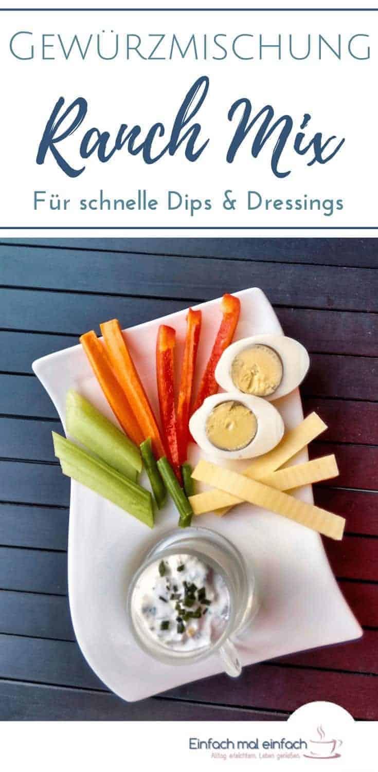 Eine Ranch Gewürzmischung eignet sich perfekt für schnelle Dressings und Dips oder Universalgewürzmischung. Selber machen geht ganz einfach und mit nur vier Zutaten! #salat #gewürzmischung #gewürze #dip