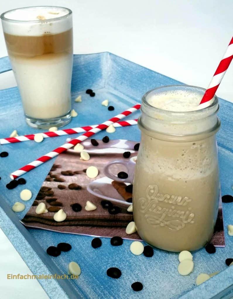 Mit Hilfe eines einfachen, selbstgemachten Mixes wird aus gewöhnlichem Kaffee schnell ein Kaffeehauserlebnis - als Frappuccino an heißen Tagen oder Latte in der kühlen Jahreszeit!