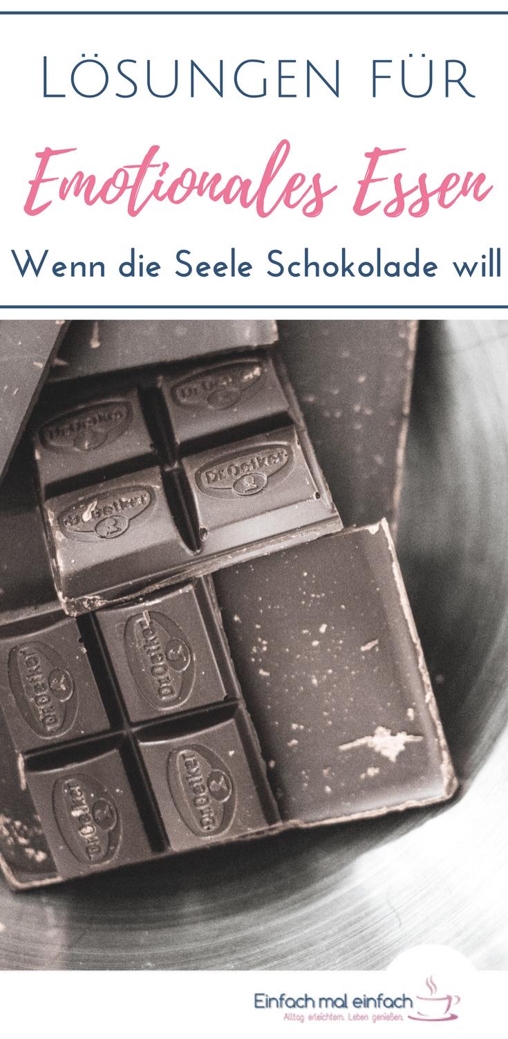 """Schokolade auf Silberteller. Text:""""Lösungen für Emotionales Essen - Wenn die Seele Schokolade will"""""""