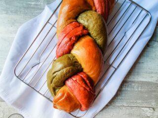 Hefezopf Brot mit Gemüse