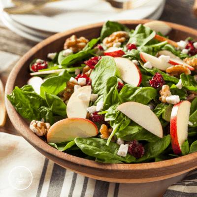 Spinatsalat mit Apfel und Fenchel