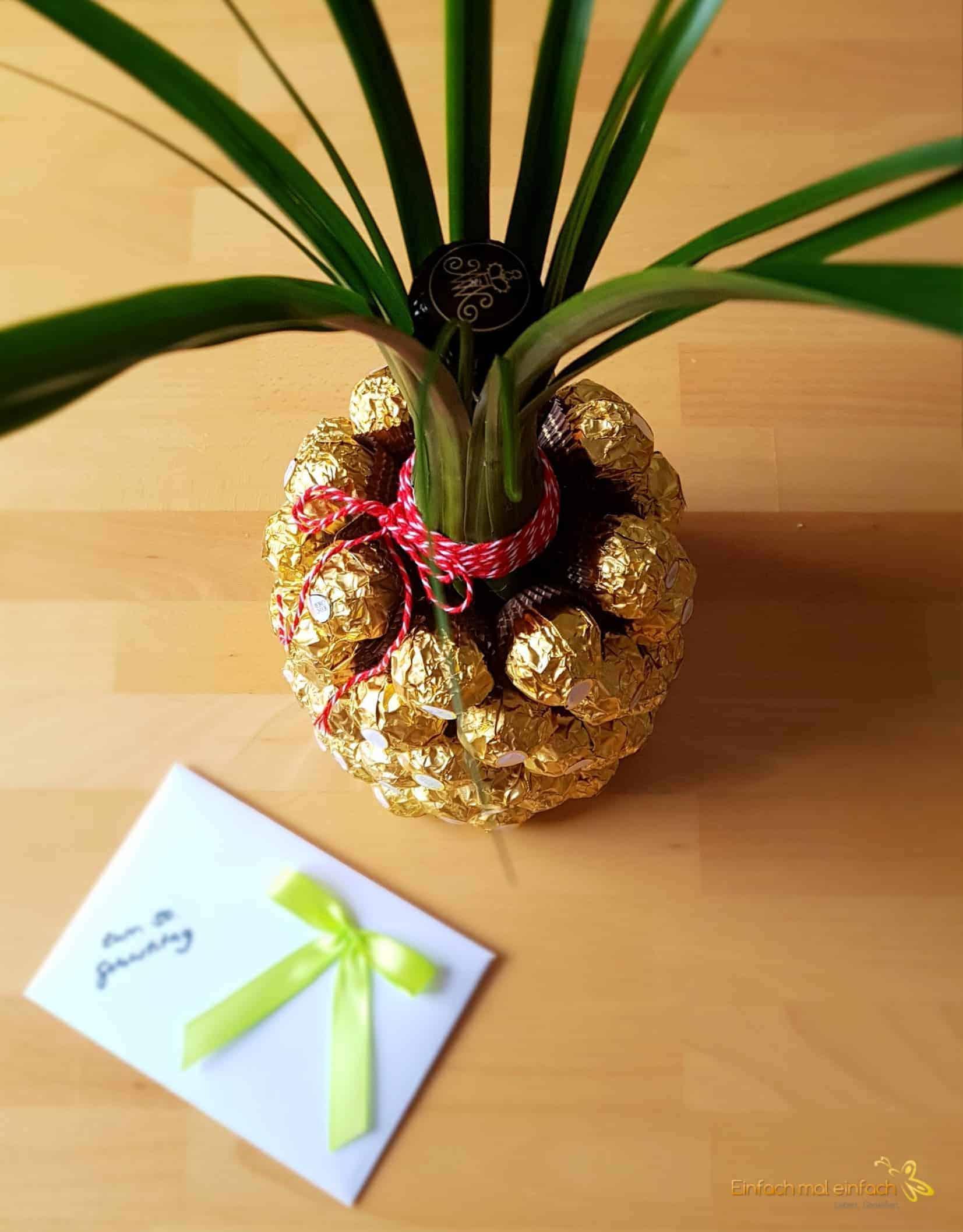 sekt ananas einfach mal einfach. Black Bedroom Furniture Sets. Home Design Ideas
