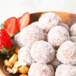 Gesunder Snack: Erdbeer-Bällchen ohne Datteln - Bild 5