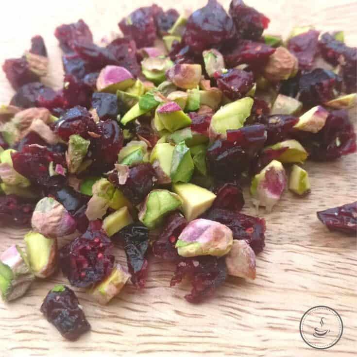 Heidesand mit Cranberrys und Pistazien